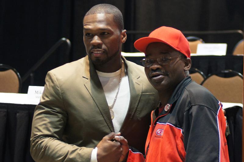 "(L-R) 50 Cent & two-time world welterweight champion  Marlon ""Magic Man"" Starling (45-6-1, 27 KOs, 1979-1990), of Hartford Richard Esposito)"
