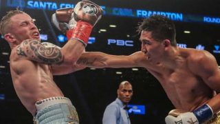 Carl Frampton vs Leo Santa Cruz in action