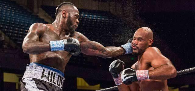 Deontay Wilder lands a shot on Gerald Washington