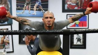Miguel Cotto training