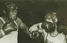 Nick Wells-Larry Holmes