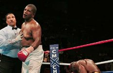 Gerald Nobles knocks down Bruce Seldon